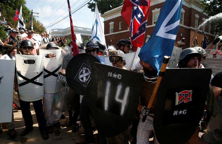 Momento de la manifestación convocada en Charlottesville, Virginia.