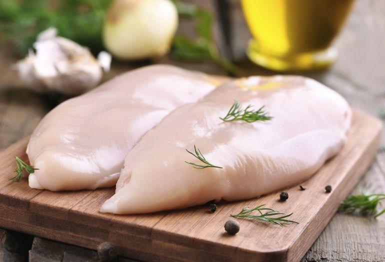La carne de pollo es una de las más consumidas en nuestro país.