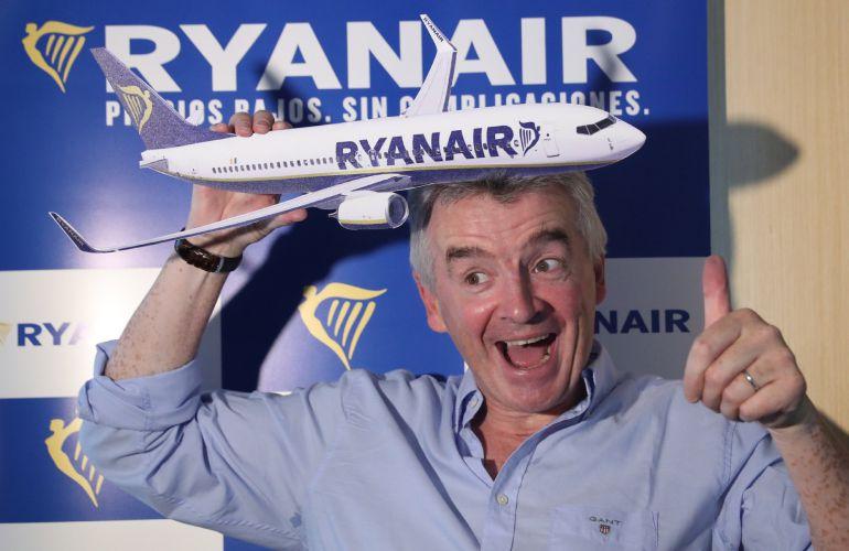 El consejero delegado de Ryanair, Michael O'Leary, durante la rueda de prensa que ha ofrecido.
