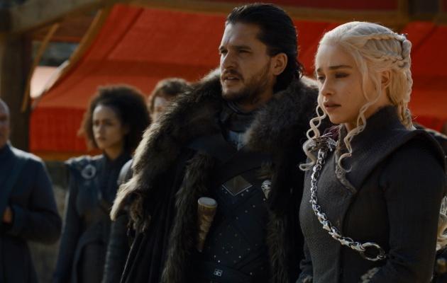 Jon y Daenerys en el capítulo 'El Dragón y el Lobo'
