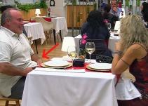 Lo más insólito visto nunca en 'First Dates'... y uno de los grandes virales televisivos del verano
