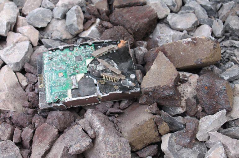 Imagen del disco duro destruido
