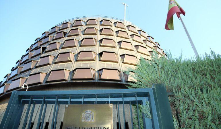 El Tribunal Constitucional desestima de plano la recusación de sus magistrados planteada por Carme Forcadell, presidenta del Parlament.