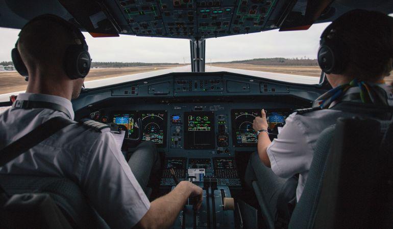 Pilotos y controladores sólo podrán comunicarse en inglés