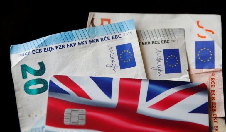 """""""Todos en todo, el euro, la Unión Bancaria y Schengen"""", es la idea de Juncker para una Europa que vaya a una, una vez el Reino Unido haya salido del club comunitario en marzo de 2019."""