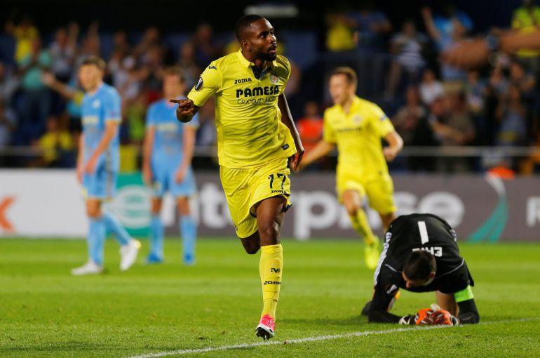 Cedric Bakambu tras marcar el segundo gol del Villarreal.