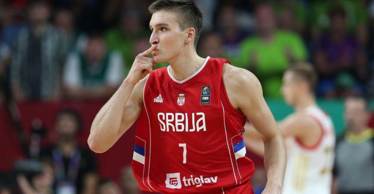 Bogdanovic celebra una canasta ante Rusia