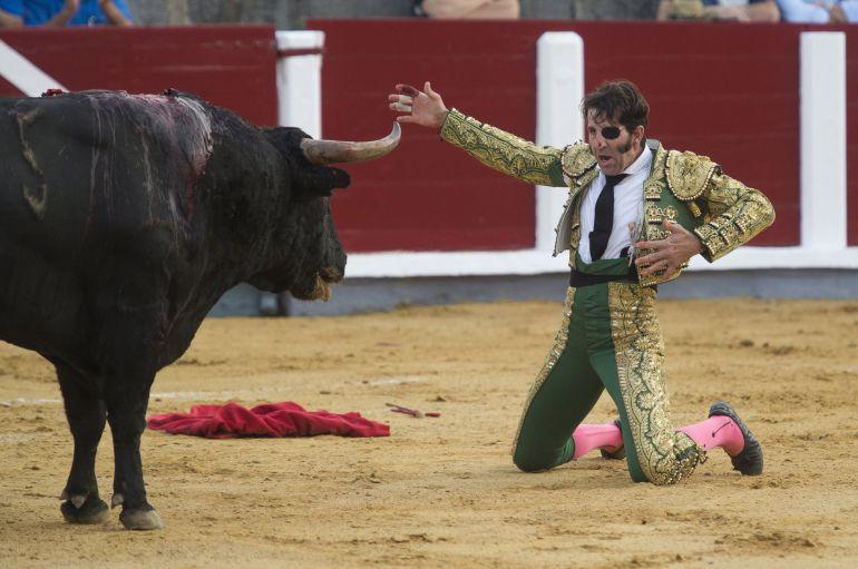 El torero Juan José Padilla durante la lidia de un toro