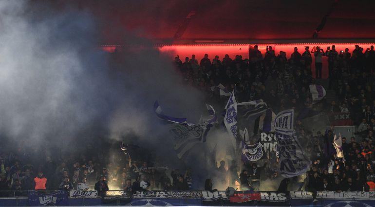 Imagen de archivo de aficionados durante un encuentro de fútbol