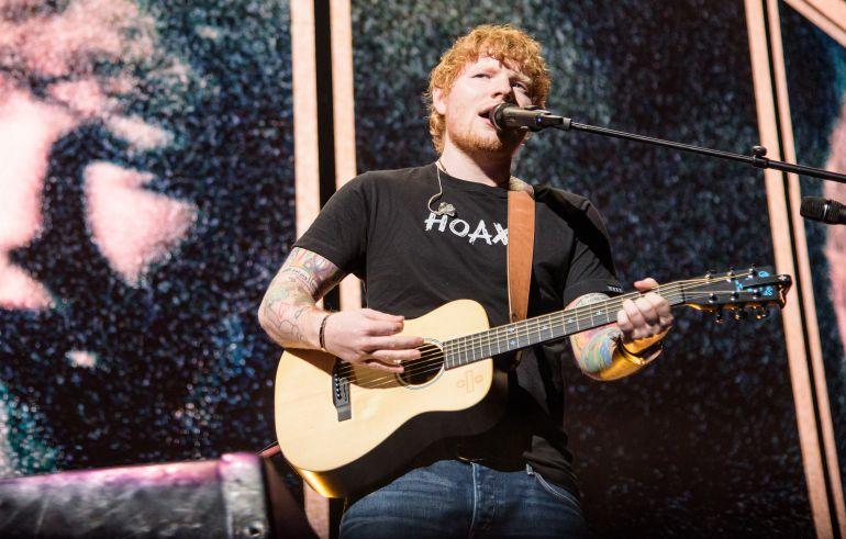 Ed Sheeran durante un concierto en Washington.