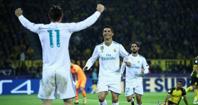 Cristiano Ronaldo y Bale celebran el gol del luso