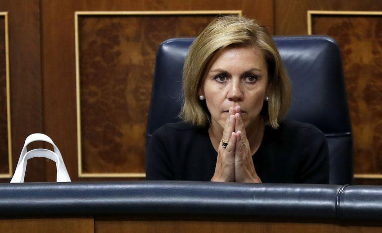 La ministra de Defensa María Dolores de Cospedal durante el pleno del Congreso de los Diputados