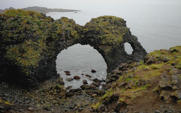 Arnarstapi y su costa son una maravilla (incluso si hace mal tiempo)