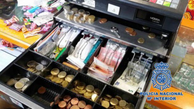 Caja registradora intervenida en la tienda de Villava