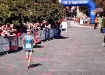 El descuido de un atleta durante una maratón que ha dado la vuelta al mundo