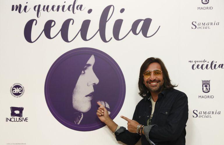 """El cantante Antonio Carmona, durante la presenación, en la sede de la SGAE, en Madrid, del concierto """"Mi querida Cecilia""""."""