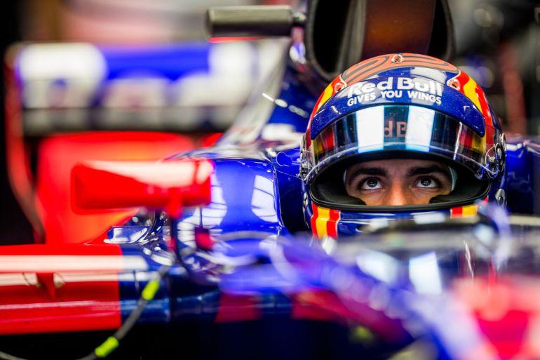 Carlos Sainz, dentro de su Toro Rosso