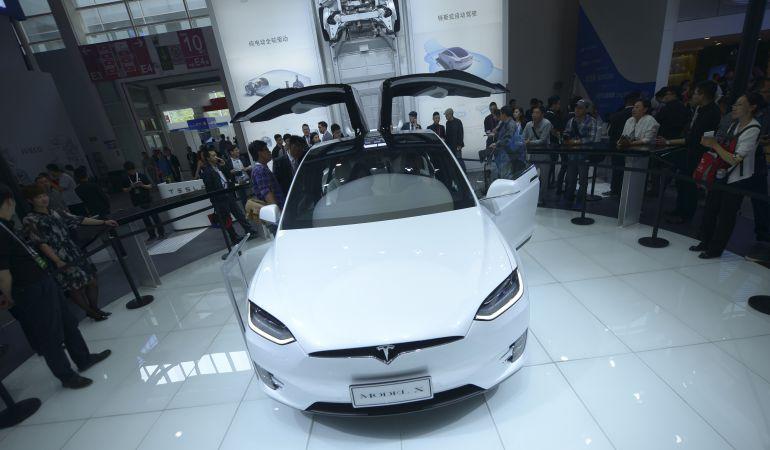 Tesla llama a revisión al Model X.
