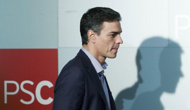 El secretario general del PSOE, Pedro Sánchez, durante una rueda de prensa en Barcelona
