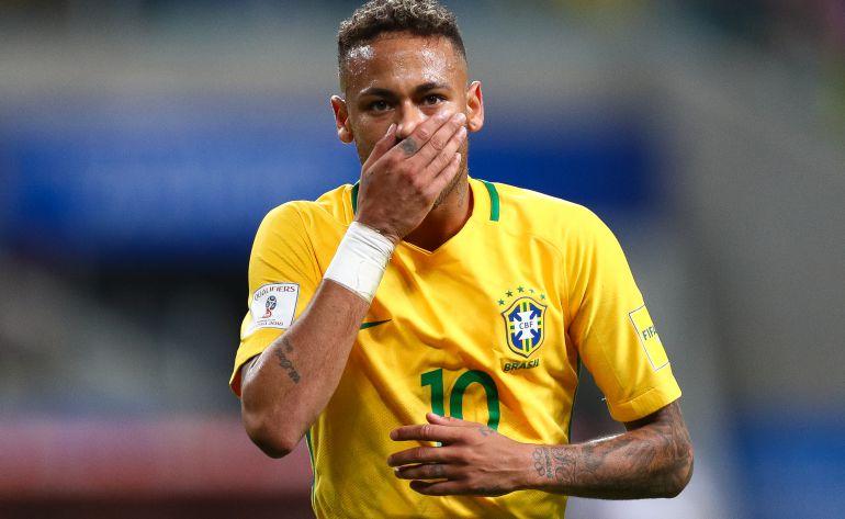 Neymar, en un partido de Brasil contra Ecuador.