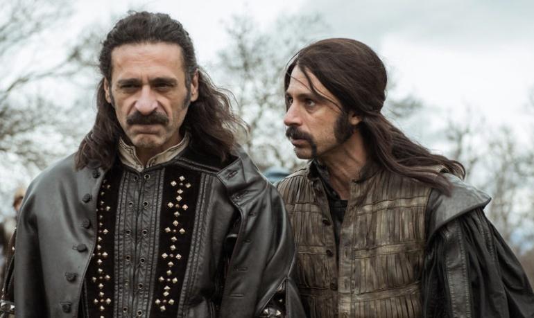 Nacho Fresneda y Hugo Silva en 'El Ministerio del Tiempo'