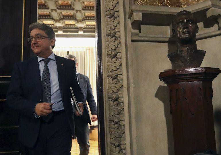 El delegado del Gobierno en Cataluña, Enric Millo, ha informado en Barcelona de los acuerdos adoptados en la reunión del Consejo de Ministros extraordinario