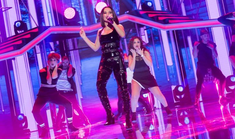 Becky G durante su actuación en 'OT 2017'