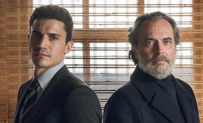 Álex González y José Coronado en 'Vivir sin permiso', la nueva serie de Telecinco