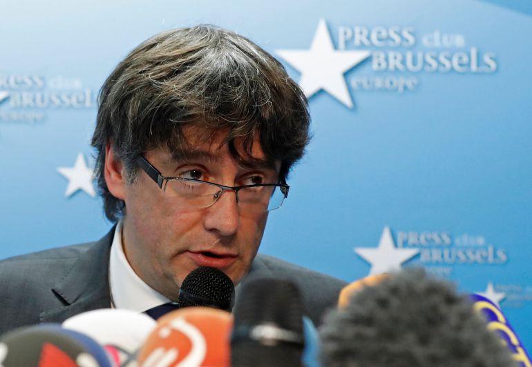 El expresidente catalán durante su rueda de prensa en Bruselas