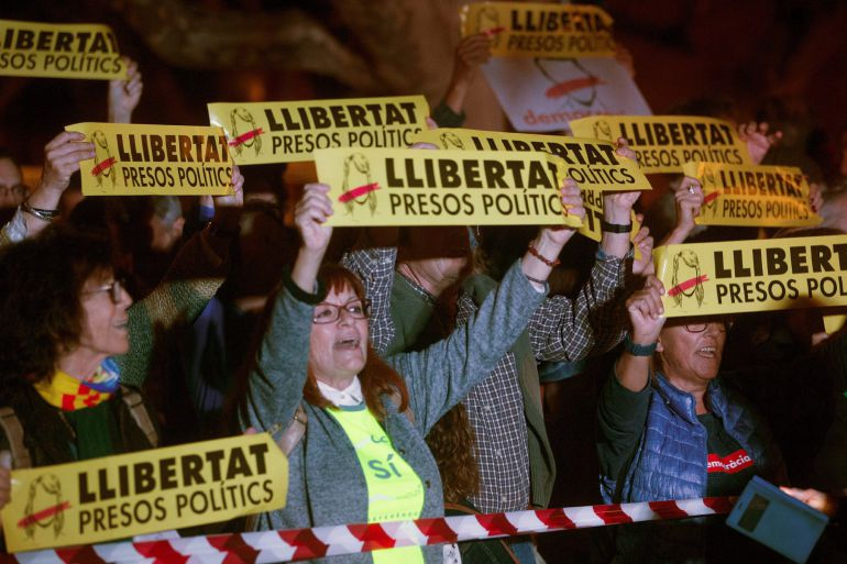 Fotogalería   Protestas frente al Parlament catalán