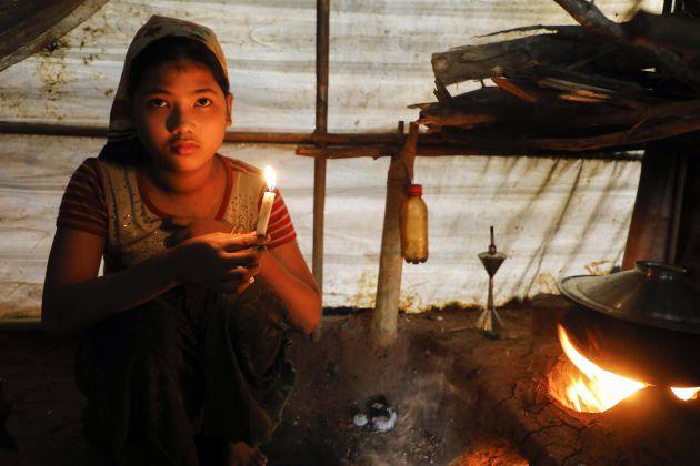 Nurkaida, en su tienda de Cox's Bazar.