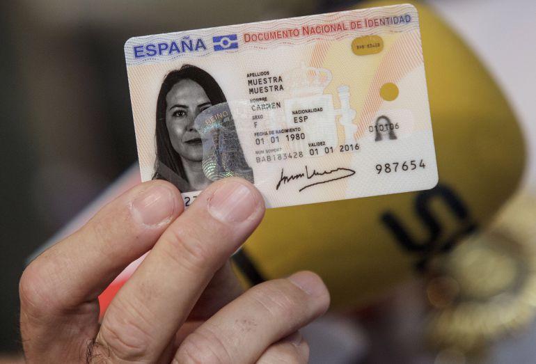 Documento Nacional de Identidad electrónico.
