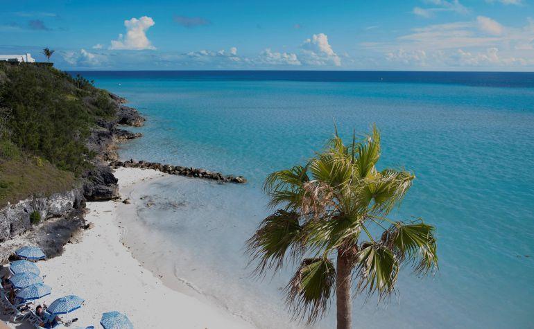 Las bermudas, ademas de por sus playas paradisíacas, han vuelto a la actualidadp or los papeles del paraiso. Lugar donde los ricos y poderosos del mundo llevan sus dineros para evitar pagar impuestos.