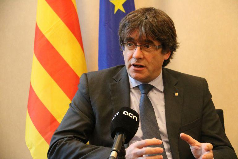 El expresident Carles Puigdemont durante la entrevista a la ACN