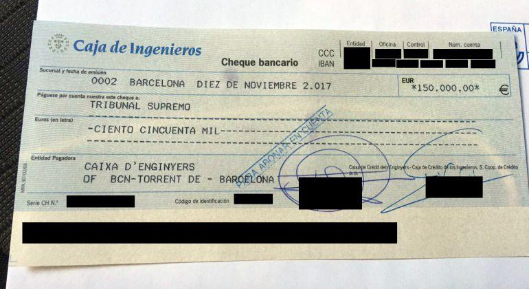 El cheque por 150.000 euros que da la libertad a Forcadell. La SER ha confirmado que se ha pagado todo con la caja de solidaridad de ANC y Òmnium.