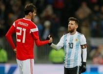 Argentina gana a Rusia y libera a Messi