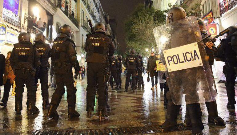 Efectivos policiales durante las 'Marchas de la Dignidad' en la Puerta del Sol
