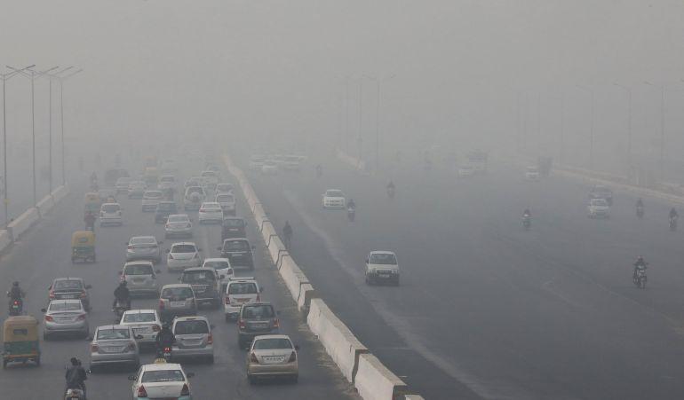 Imagen de Nueva Delhi (India) que muestra los elevados índices de  contaminación del aire que provocan los coches y los sistemas de combustión que usan carbón.