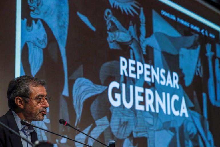 El director del Museo Reina Sofía, Manuel Borja-Villel, presenta 'Repensar Guernica', un fondo documental con cerca de 2000 archivos relacionados con el cuadro