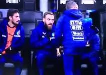De Rossi explota en el banquillo porque no entiende que Ventura lo elija a él para jugar y no a Insigne