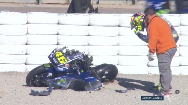 La moto de Valentino, destrozada.
