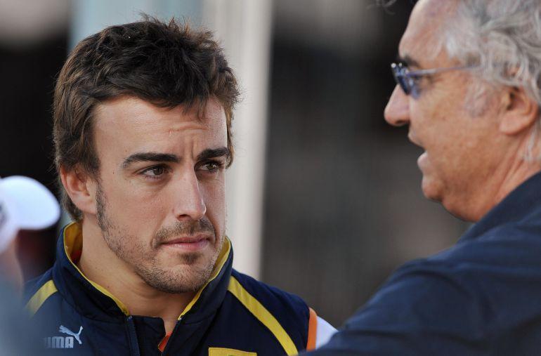 Alonso y Briatore, en una foto de 2009 cuando ambos estaban en Renault