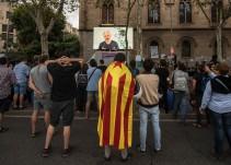 Assange ofrece 20.000 euros a quien revele el coste del dispositivo policial del 1-O