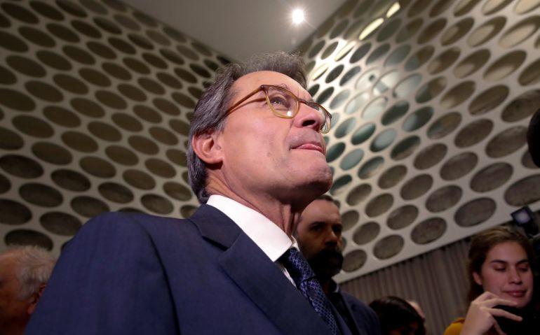 """El expresident de la Generalitat Artur Mas antes de participar en el coloquio """"Diálogos sobre Cataluña"""", organizado por el Club Siglo XX"""