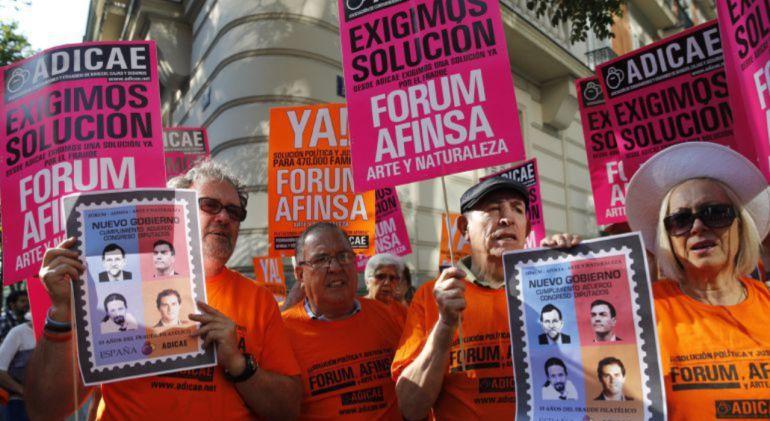 Un grupo de afectados por Forum y Afinsa en Castilla-La Mancha
