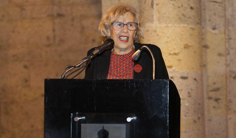 """La alcaldesa de Madrid, Manuela Carmena, durante la inauguración de la exposición """"Pongamos que hablo de Madrid"""" en la ciudad de Guadalajara (México)."""
