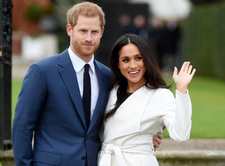 FOTOGALERÍA | El primer posado oficial del príncipe Enrique de Inglaterra y su prometida, la actriz estadounidense Meghan Markle