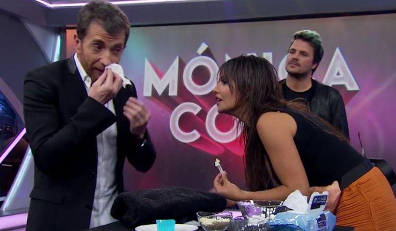 El método para quitar los pelos de la nariz dejó a Pablo Motos sangrando de la nariz.
