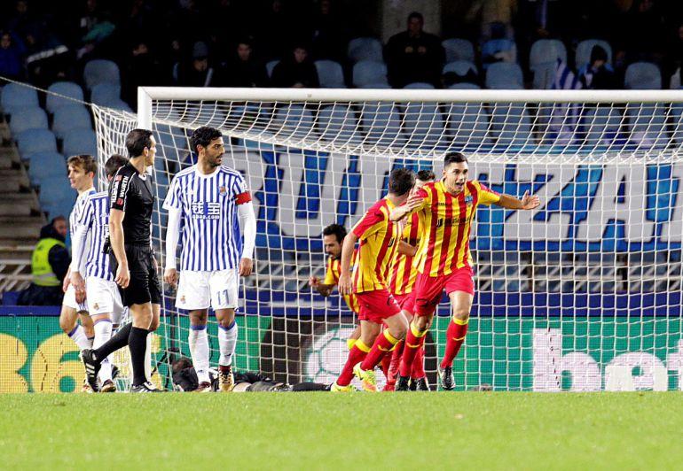 Los jugadores del Lleida celebran el segundo gol, con el que empataban el partido