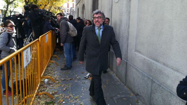 El abogado Jordi Pina a la salida del Tribunal Supremo